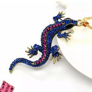 NWT Betsey Johnson Gecko 🦎Lizard 🦎Necklace!